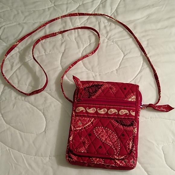 Vera Bradley Handbags - Vera Bradley Crossbody Purse
